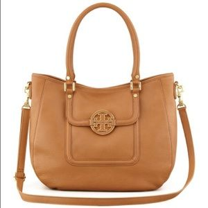 EUC Tory Burch Amanda Hobo Crossbody Tote Purse
